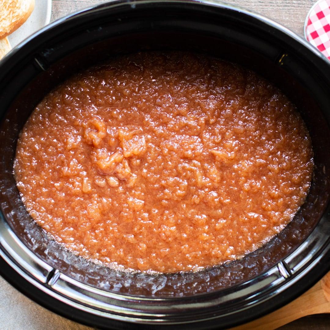 Slow Cooker Cinnamon Applesauce