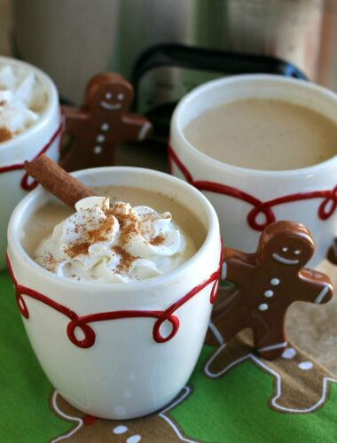 egg nog latte in a gingerbread cup