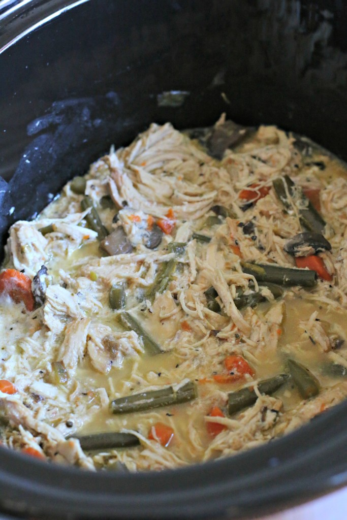 Slow Cooker Healthy Creamy Chicken Casserole