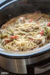 spaghetti with chicken and bell peppers in slow cooker
