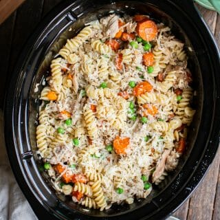 Slow Cooker Garlic Butter Chicken Pasta