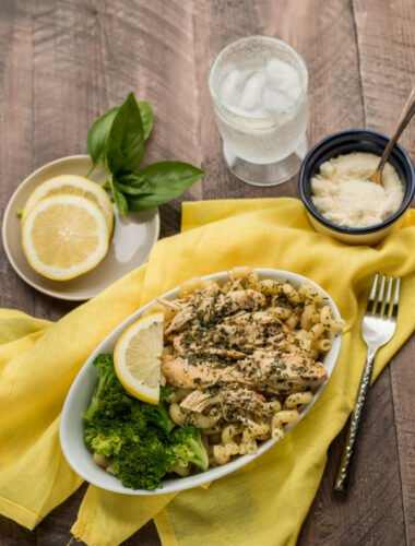 lemon pest chicken and pasta in a bowl