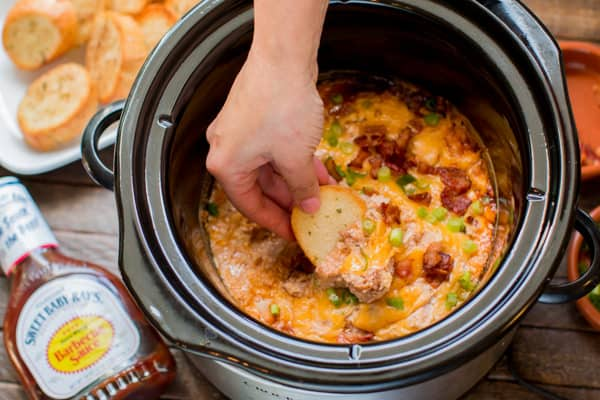 Slow Cooker Barbecue Bacon Chicken Dip