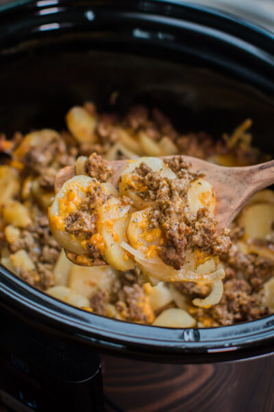 Slow Cooker Beef and Potato Au Gratin