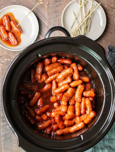 Slow Cooker Molasses Barbecue Little Smokies