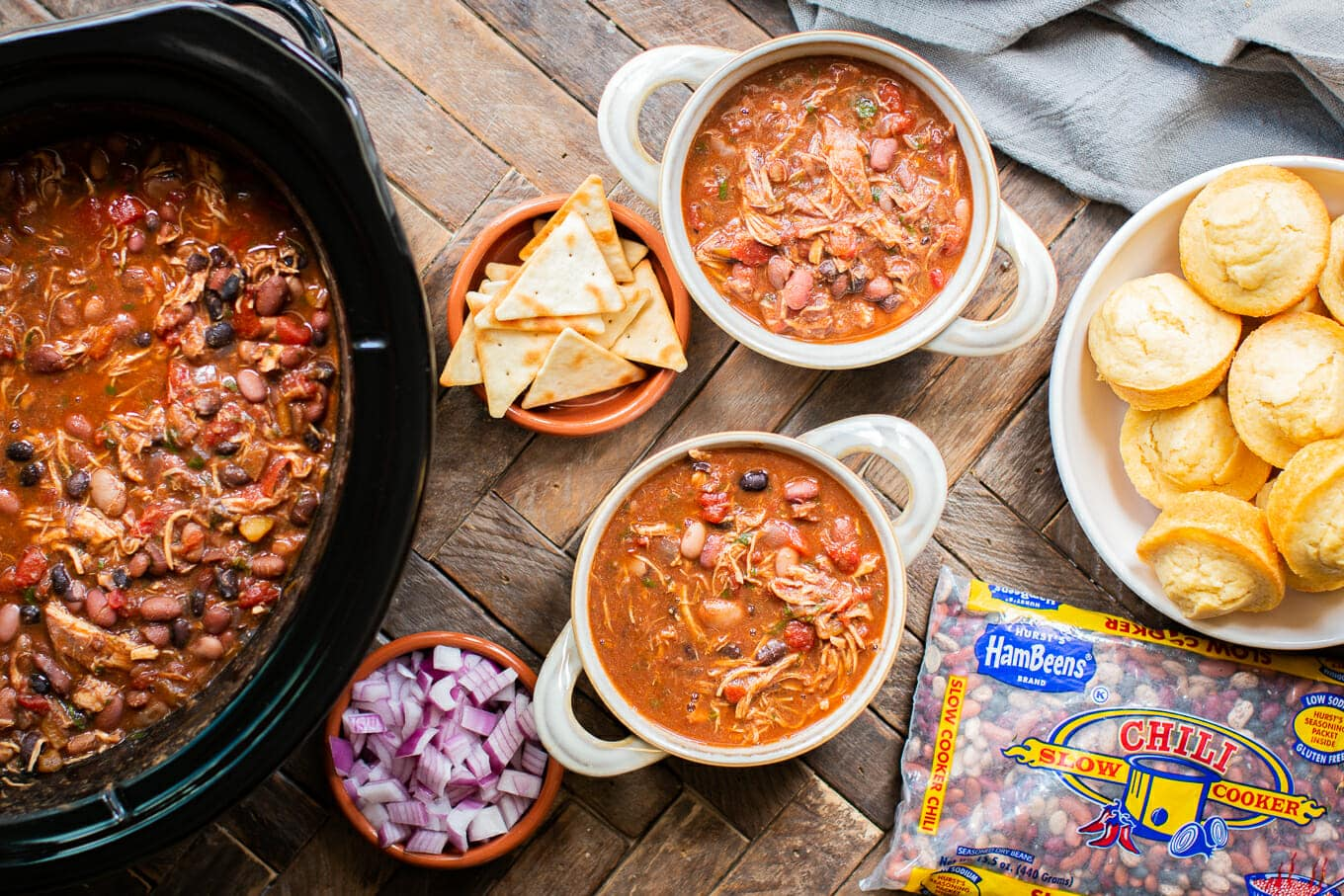 Slow Cooker Chicken Chili {Hurst's® HamBeens® Slow Cooker Chili}