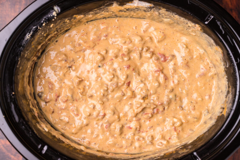 melted bacon cheeseburger dip in slow cooker
