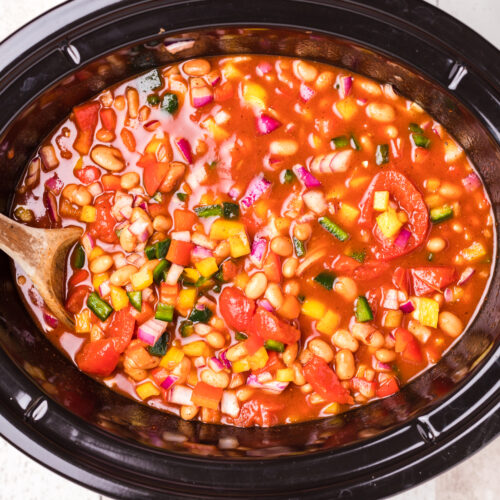 vegetarian chili in slow cooker before being cooked.