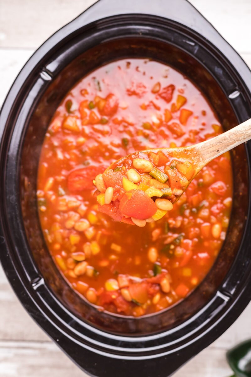 close up of vegetarian chili in slow cooker