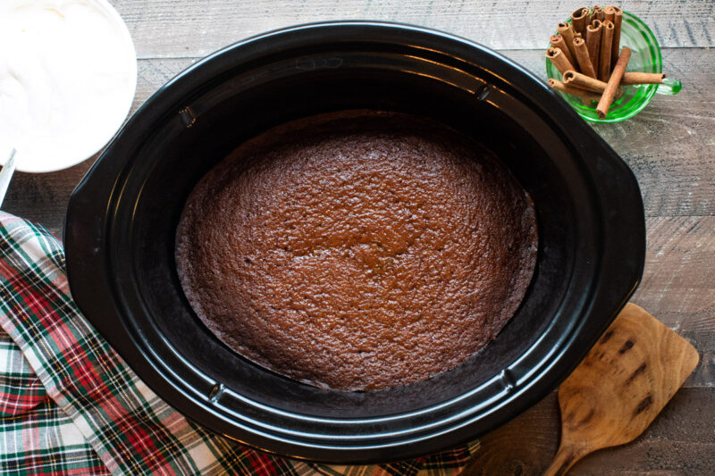 finished cooking gingerbread cake in slow cooker