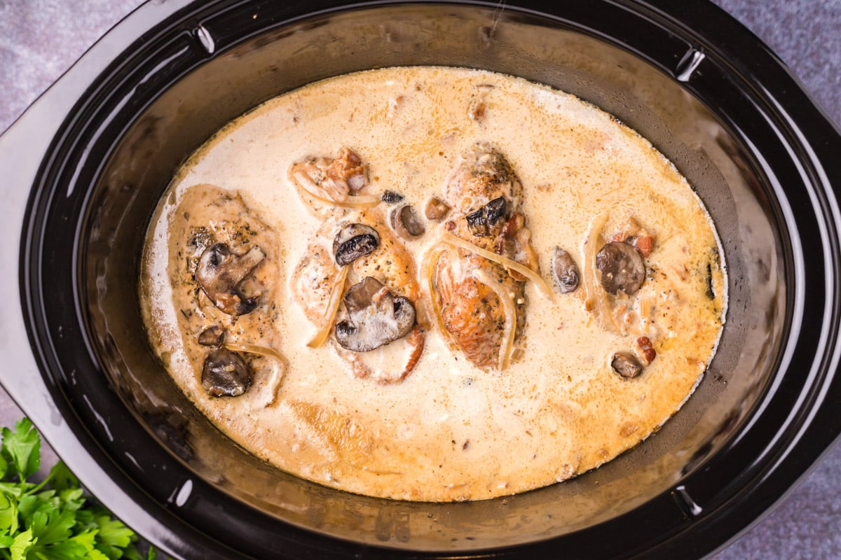 chicken marsala in slow cooker with heavy cream added