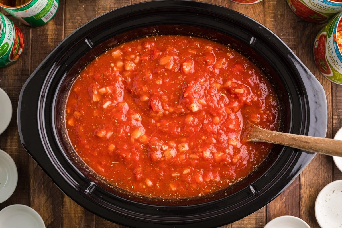 marinara sauce in slow cooker before cooking